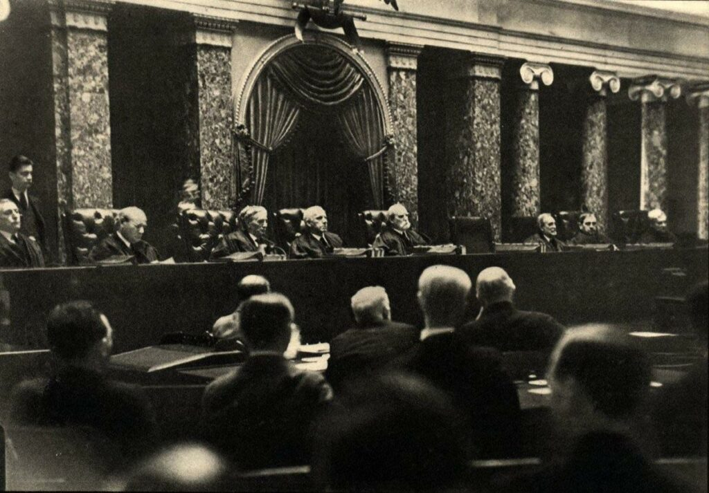 A Switch in Time Saves Nine: FDR, The Supreme Court, and the Constitutional Crisis of the New Deal